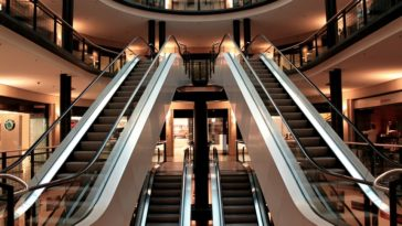 escalator-283448_960_720