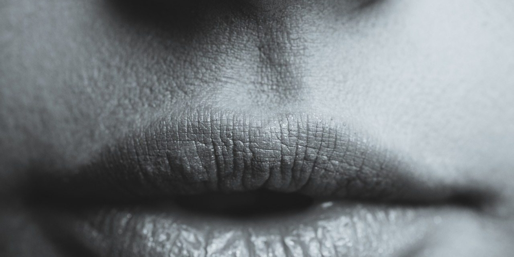 Usta – czyli jak (nie) odpowiadać wsocial mediach