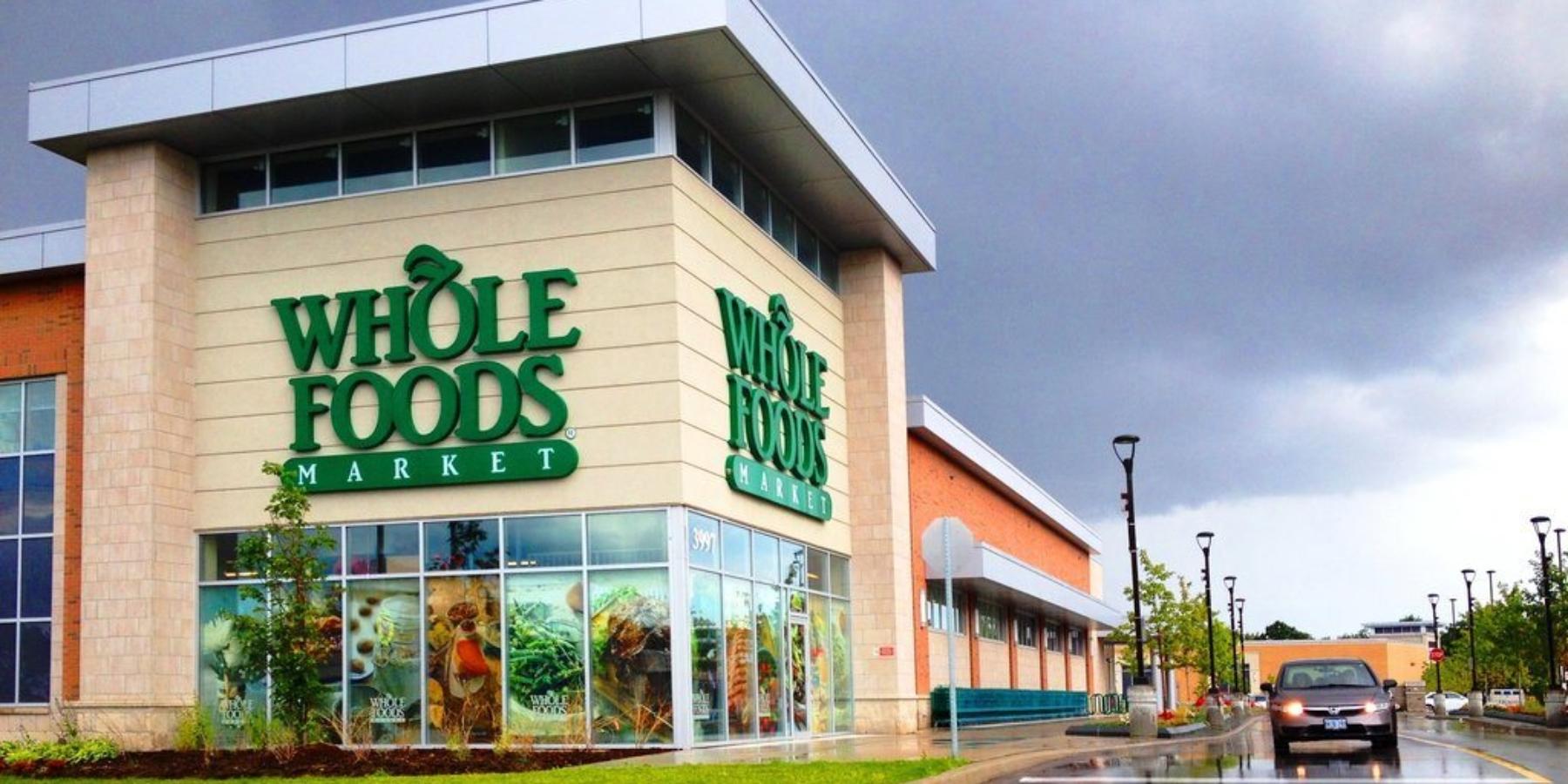 Prasówka e-commerce #28 Amazon kupuje Whole Foods Market za13,7 mld dolarów