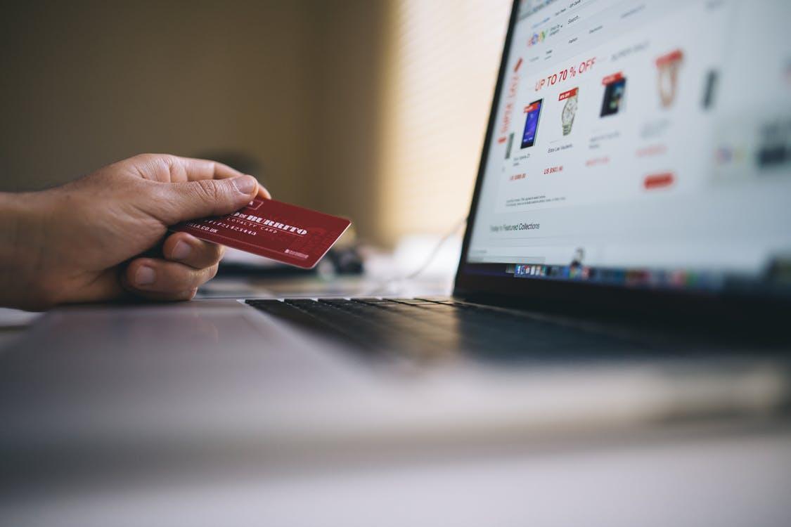 sprzedaż w e-commerce