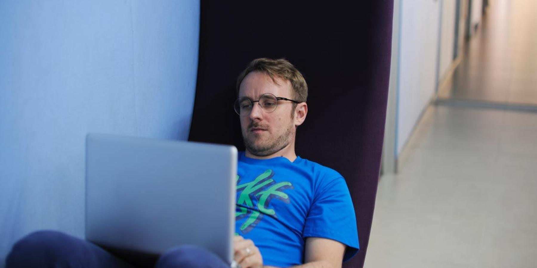 Rzuć pracę izacznij zarabiać przezInternet, czyli cyfrowi nomadzi