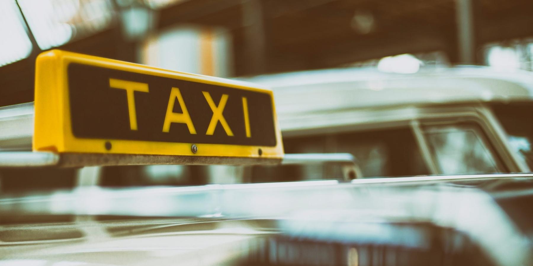 """Dzięki tejapce taksówkarz już Cię nieoszuka! """"Nie ma być batem nataksówkarzy, ma uzdrowić rynek"""" – komentuje twórca"""