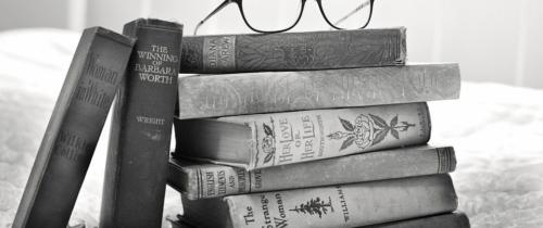 Prasówka e-commerce świat: Książki sprzedawane przezAmazon służą doprania brudnych pieniędzy?