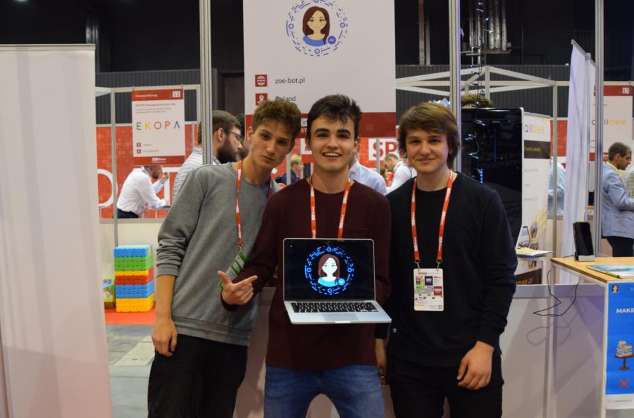 Mają 16 lat irozwijają swój startup! Ich chatbot pomoże nastolatkom wnauce