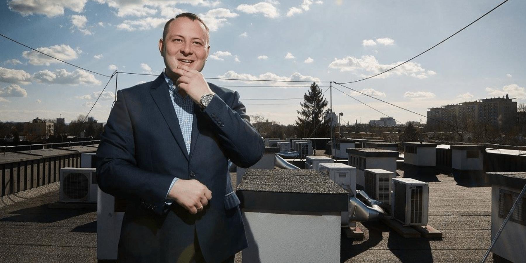 Wojciech Szymański: Sklepy internetowe są nabakier zczasem ikosztami dostawy orazzreklamacjami