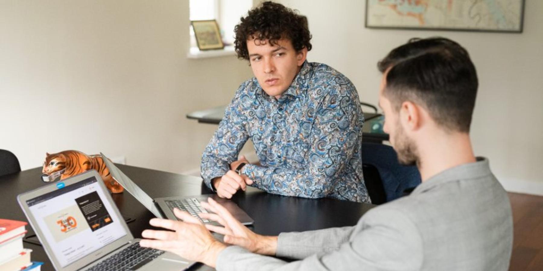 Obudowaniu dochodowej agencji interaktywnej. Franciszek Georgiew [AMA]