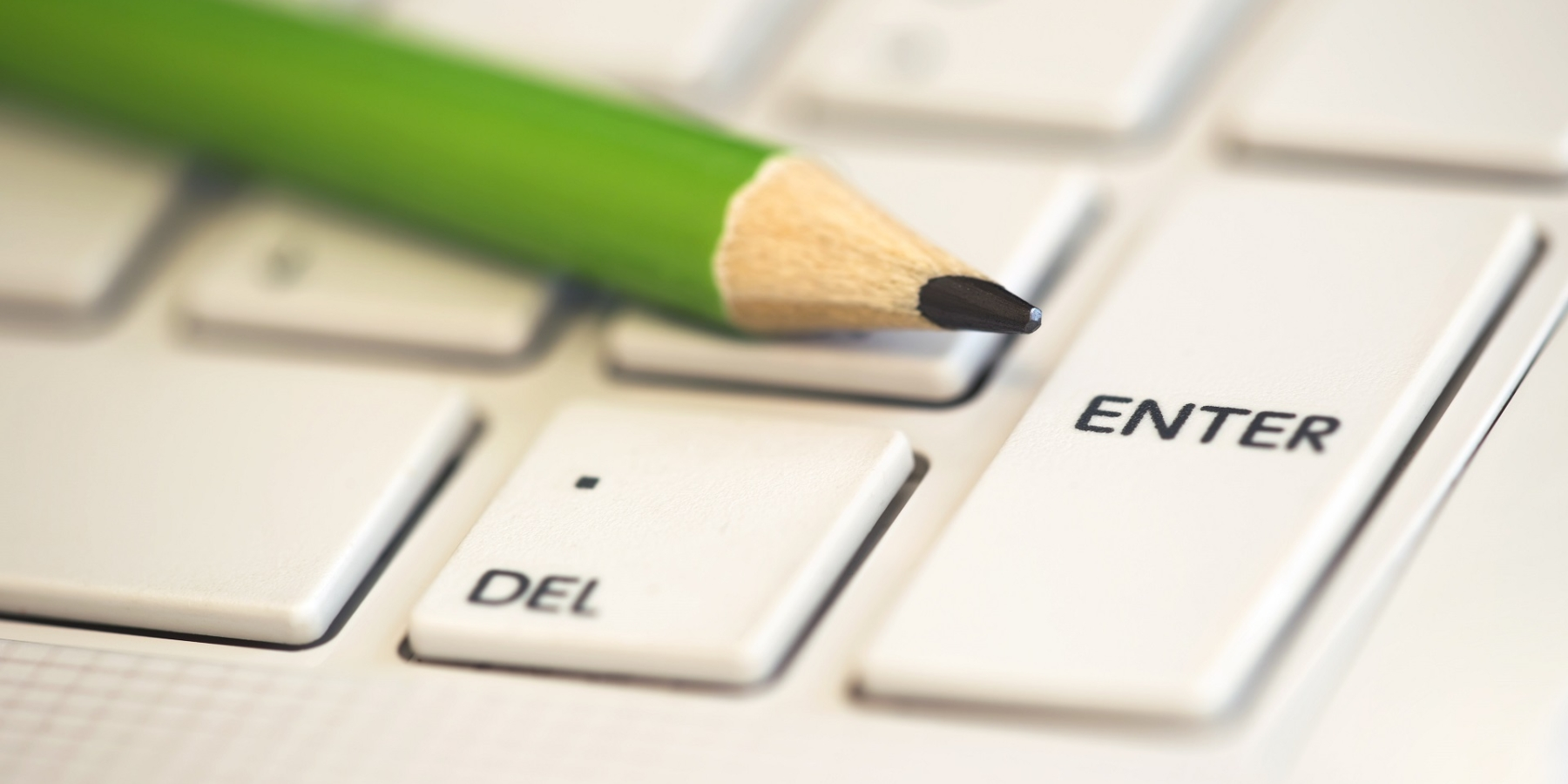 Szkolenia warsztatowe online czytradycyjne? Poznaj najważniejsze zalety!