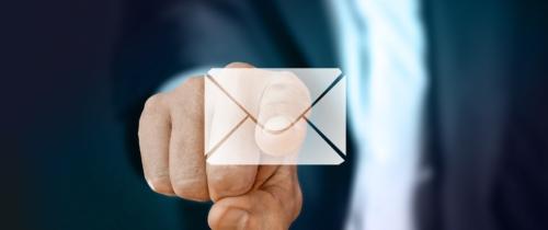 6 miliardów maili w ciągu roku i minimum godzina spędzona