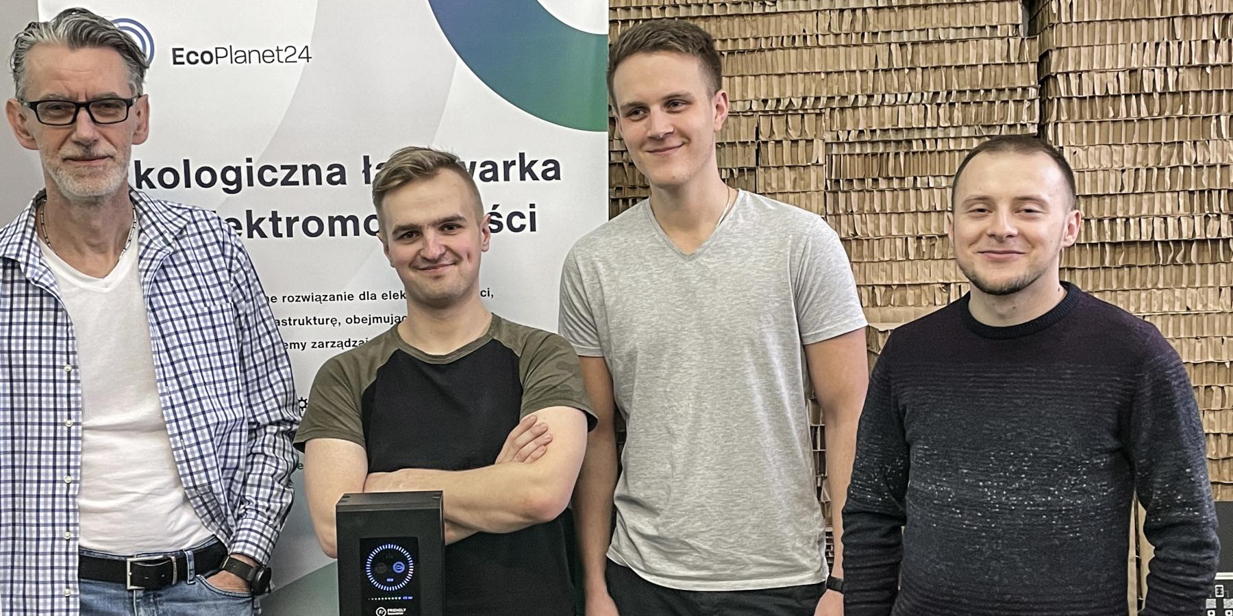 Inteligentne stacje ładowania samochodów elektrycznych stworzone przezpolski startup. Doobsługi wystarczy smartfon