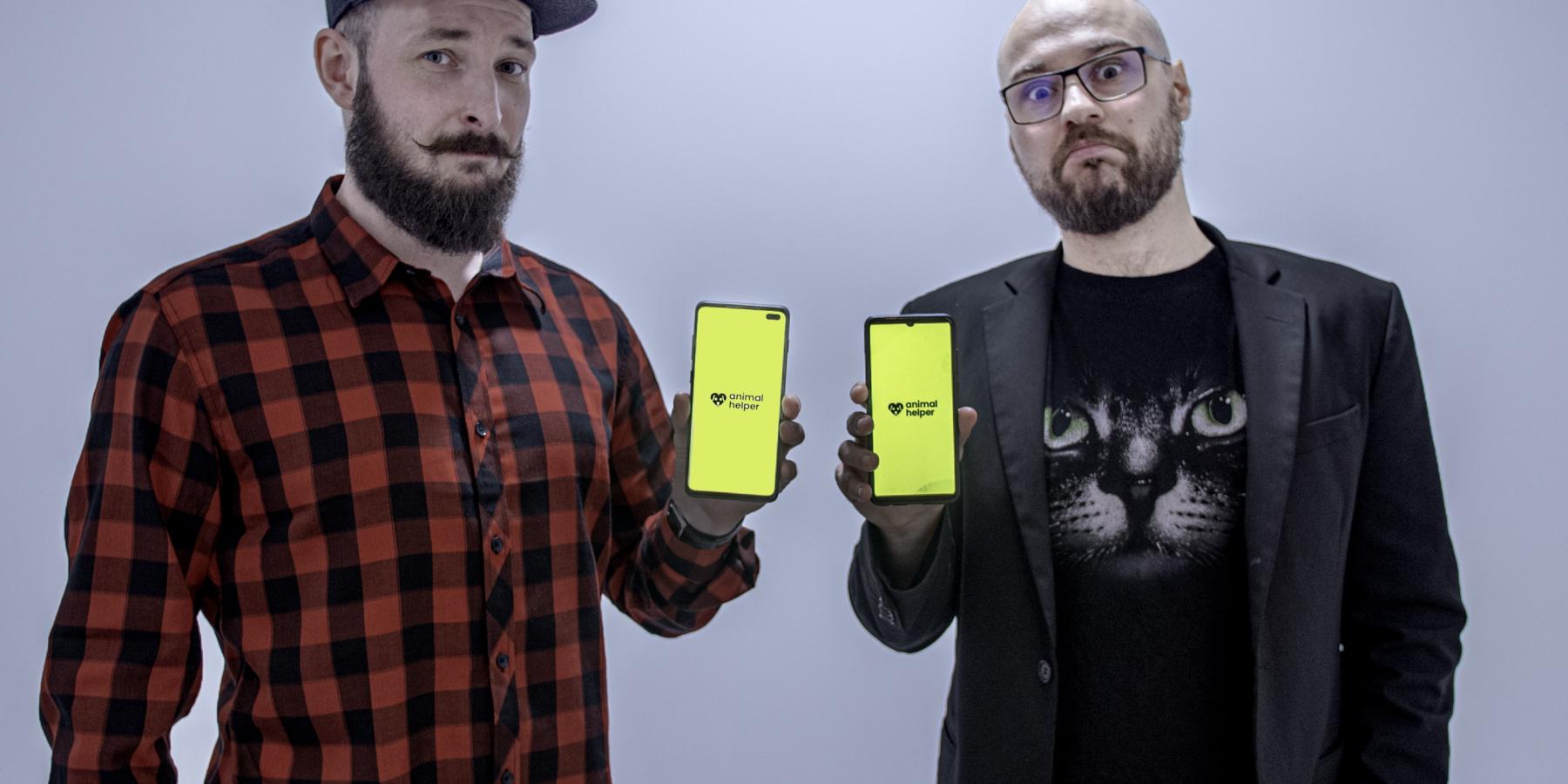 Stand-uper Adam Van Bendler wraz zzespołem tworzy aplikację 112 dla zwierząt. Nazrzutka.pl zebrał już ponad 100 tys. zł