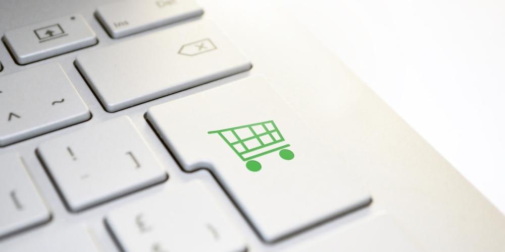 Siła handlu wsocial commerce? Nowy raport Fundacji Kobiety e-biznesu