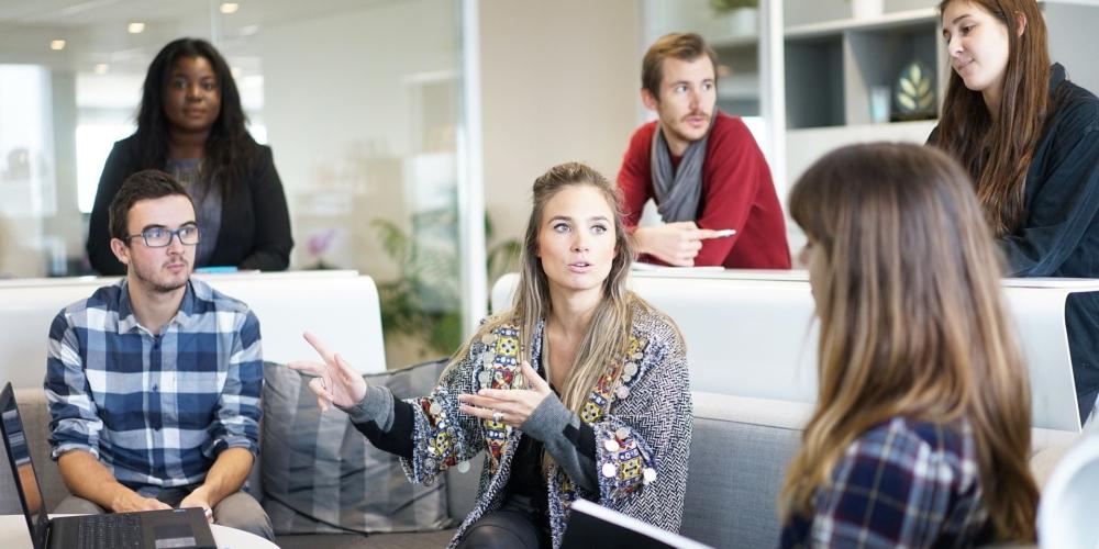 """""""Project Manager tołącznik biznesu zzespołami operacyjnymi"""". Jakie powinny być jego cechy?"""