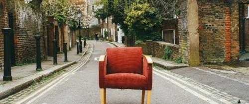 Fotele wiszące —ile przestrzeni wygospodarować wogrodzie, natarasie iwdomu?