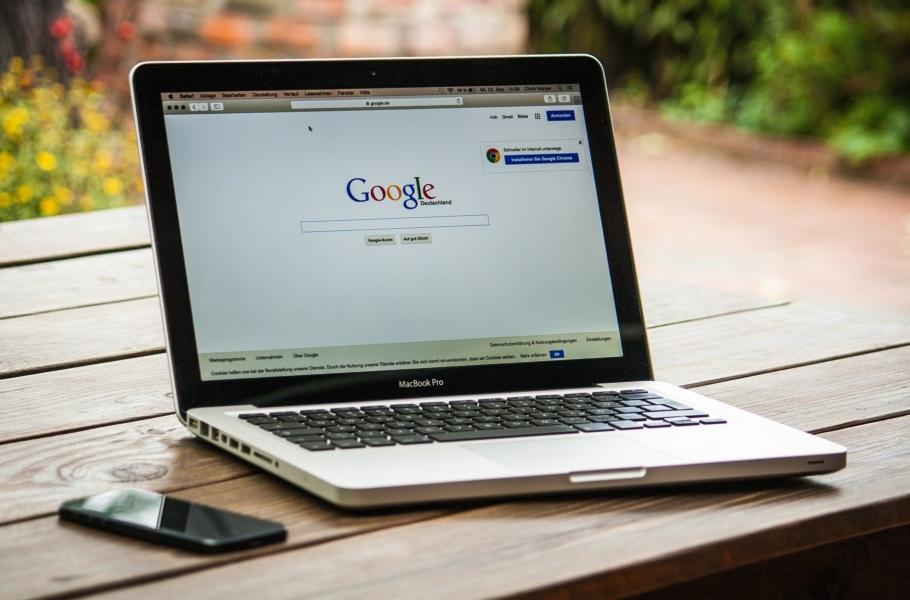 Alerty niestandardowe Google Analytics. Jak znich korzystać we-commerce, byuniknąć przykrych niespodzianek?